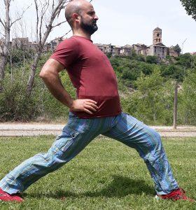 Estiramiento de los abdominales inferiores y muslo superior